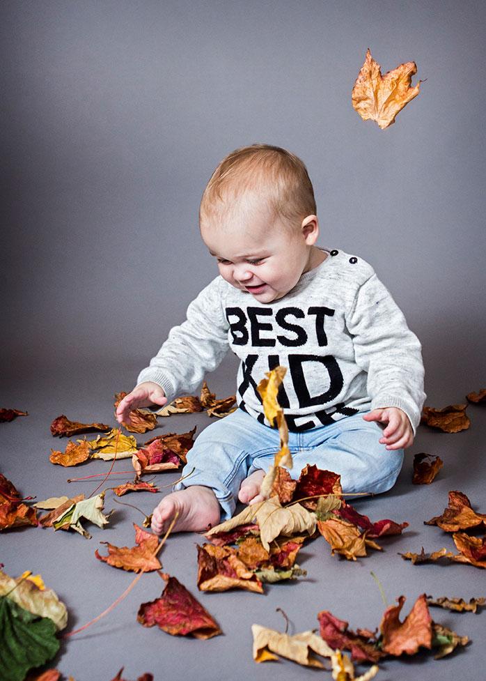 efterår-barn-dreng-blade-best-kid